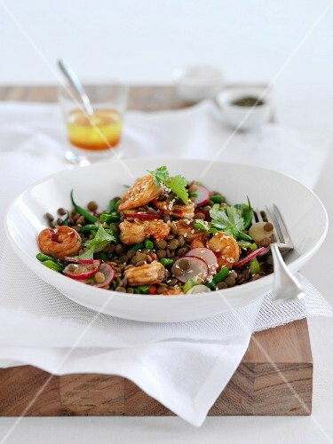 A lentil salad with prawns, radishes and green beans