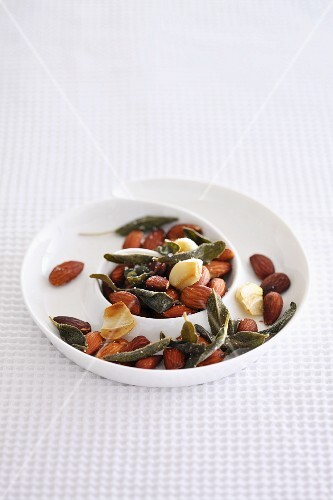 Salted almonds with sage