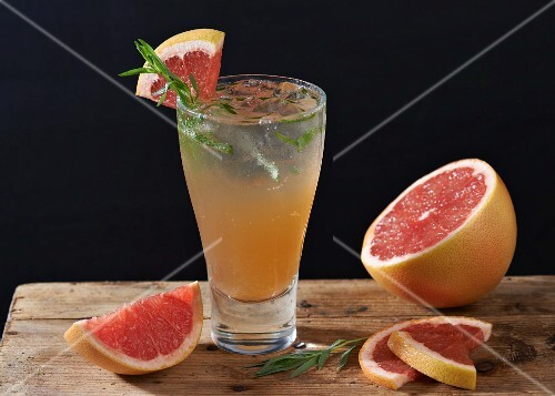 Gin with pink grapefruit and tarragon