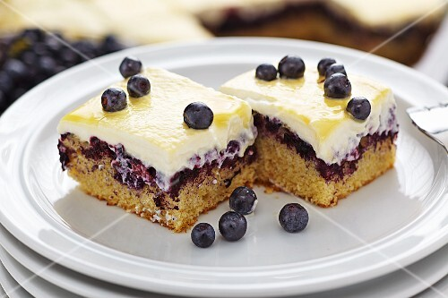 Blueberry cake with egg liqueur