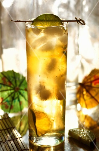 Long Island Ice Tea with lime