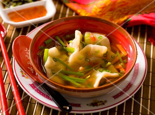 Wonton soup (broth with dumplings, China)