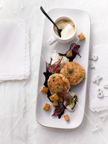Salmon balls with shallots and diced potatoes