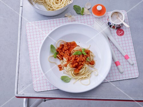 Spaghetti with soya bolognese