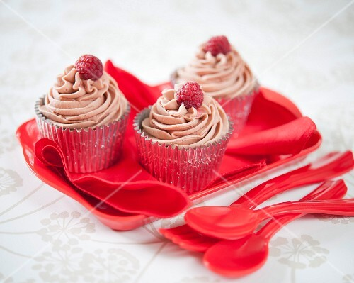 Butterscotch cupcakes with raspberries