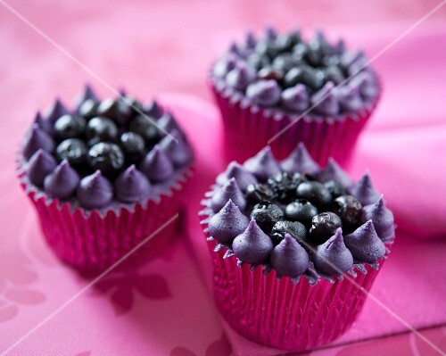 Blueberry crown cupcakes