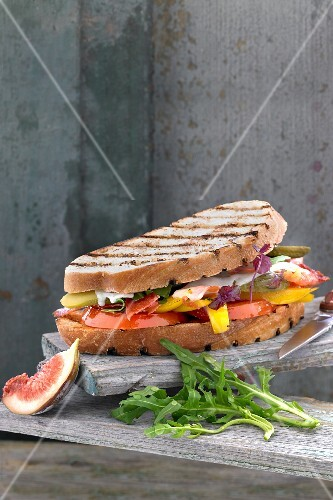 Grilled vegetable sandwich