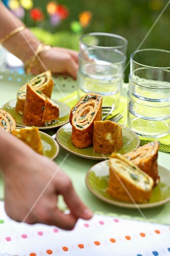 Omelette rolls filled with herbs and cheese