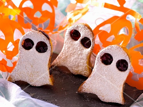 Little ghost biscuits
