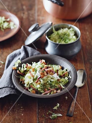 Mash pot with chicory salad