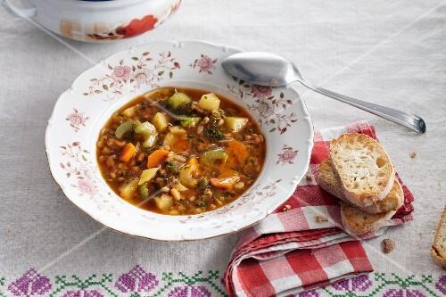 Ribollita (Tuscan vegetable soup)
