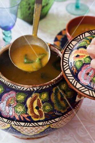 Sopa de grao (Portuguese chickpea soup)