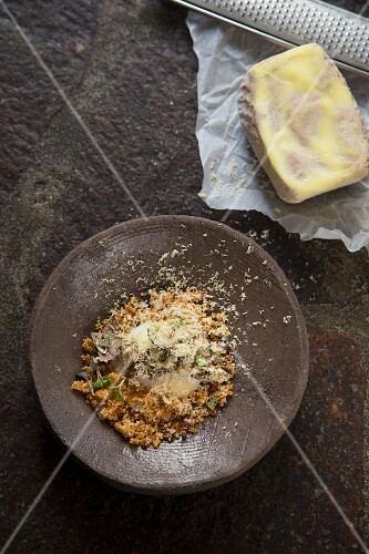 Quinoa with egg with grated foie gras