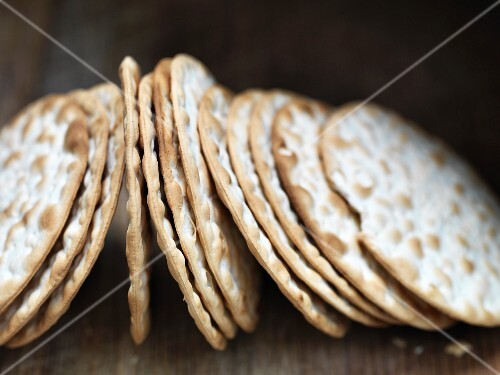 A row of cheese crackers