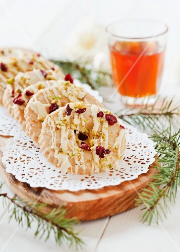 Pastries with white chocolate, cranberries and pistachios