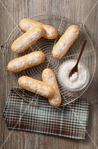 finger biscuits