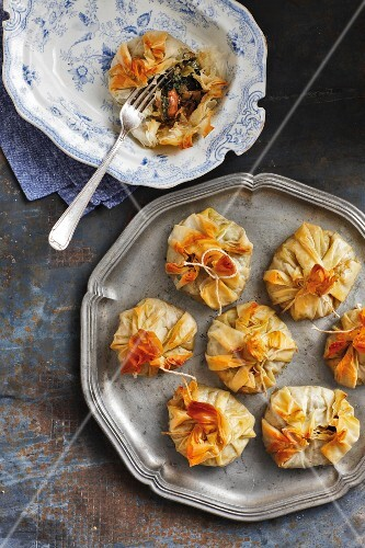 Filo pastry sacks filled with spinach, mushrooms and Greyerzer cheese