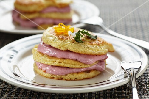 Blinis with lingonberry cream