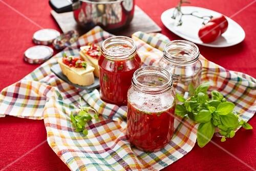 Tomato and basil chutney