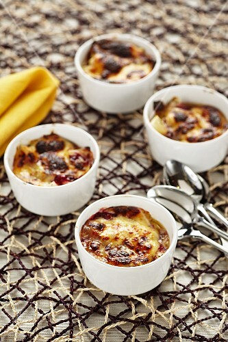 Cheese gratin with lingonberries