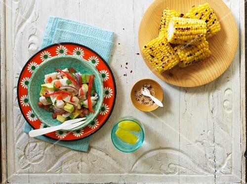 Ceviche aand grilled corn cobs (Latin America)