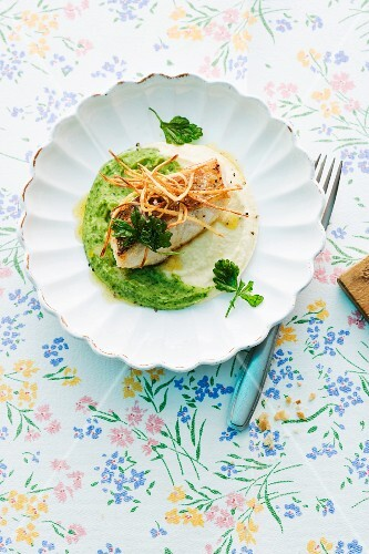 Fried cod on parsley root purée