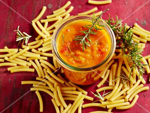 Pepper sugo with rosemary