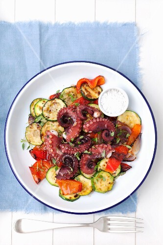 Grilled octopus with vegetables