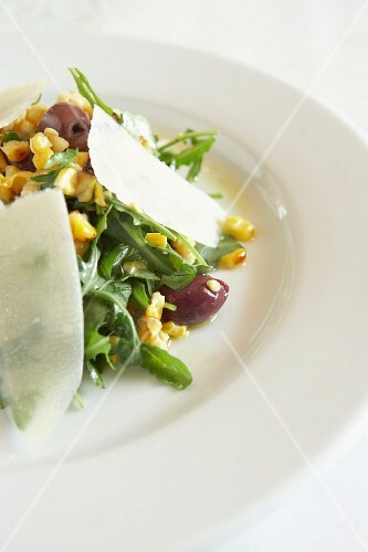 Rocket salad with olives, sweetcorn and Parmesan