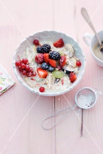 Bircher muesli with icing sugar