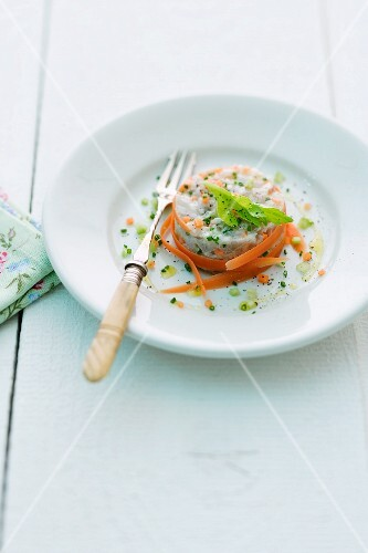 Fish tatar with carrots