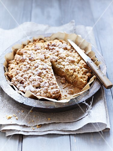 Quince crumble cake