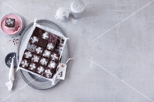 Brownies decorated with snowflakes (Christmas)