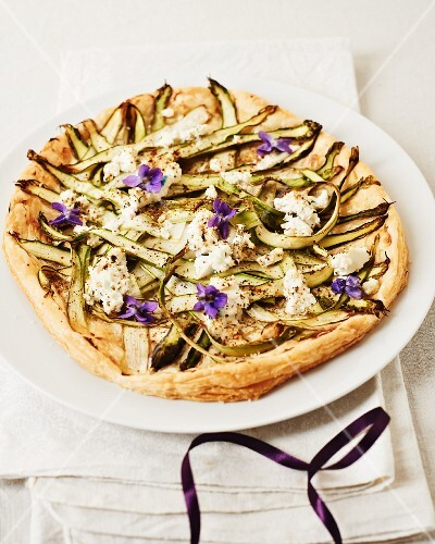 Asparagus tart with violet honey