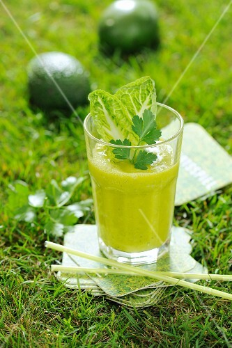 A green, weight-loss smoothie