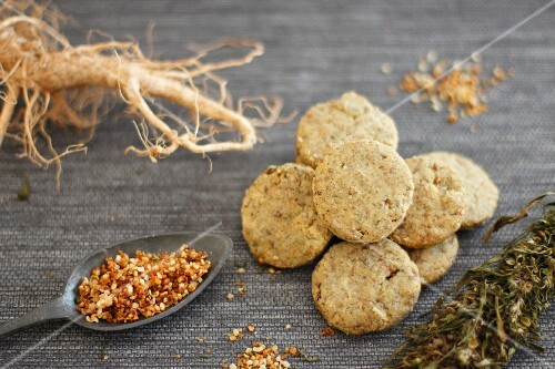 Hemp seed biscuits with hemp seed brittle