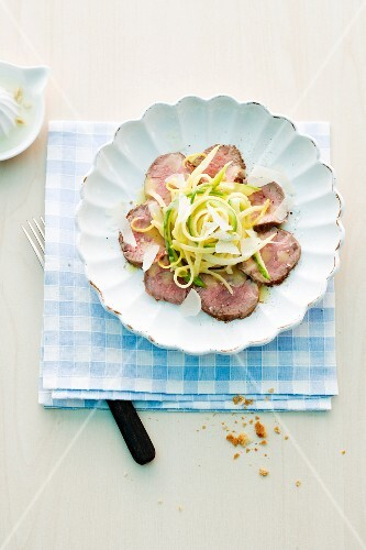 Veal fillet with tagliatelle and Parmesan cheese