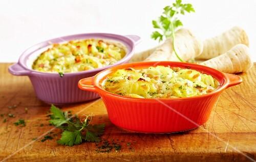 Gratin with Hamburg parsley, potatoes and ham