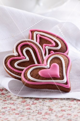 Heart-shaped gingerbread biscuits with icing