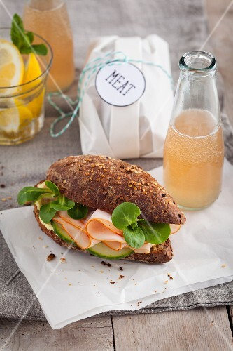 Ham and lamb's lettuce on a wholemeal roll