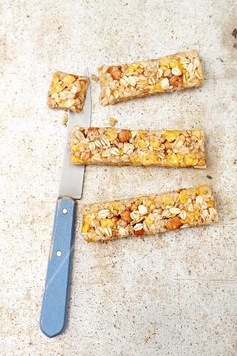 Muesli bars with hazelnuts, oats and cornflakes