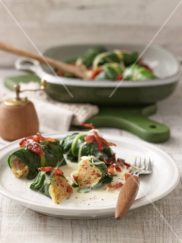 Capuns (chard roulade, Grisons) with bacon and cheese