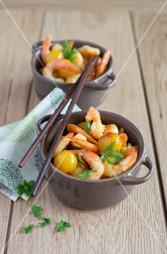 Prawn curry with yellow plums