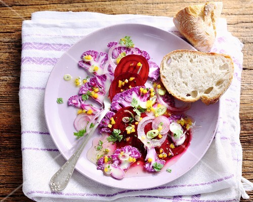 Raw purple salad with cauliflower and beetroot
