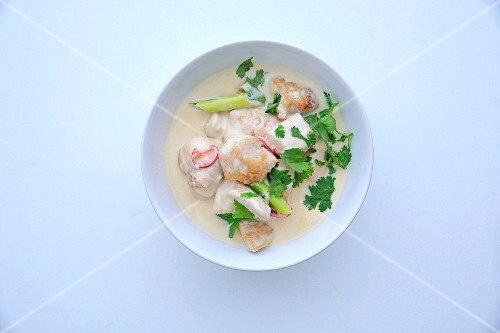 Chicken curry with lemongrass (Asia)
