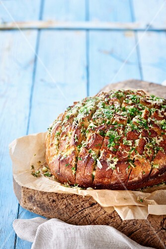 Cheese bread with chives and garlic