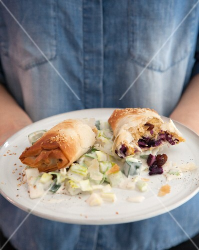 Vegan strudel parcels filled with red cabbage and cashew leek
