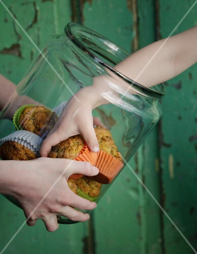 Quick breakfast muffins made with apples and carrots