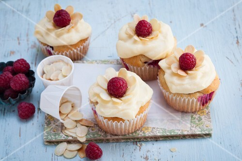 Raspberry and almond cupcakes with a vanilla yoghurt topping