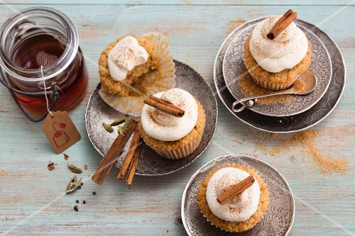 Winter chai latte cupcakes with cinnamon